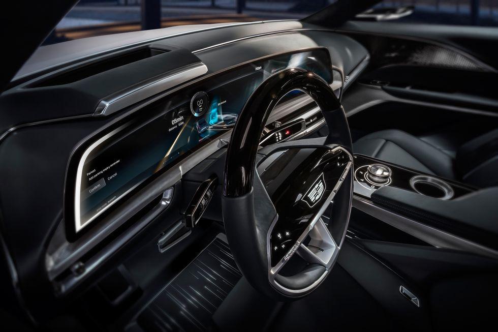 صور سيارة كاديلاك ليريك 2023 الكهربائية دات التصميم الفضائي 2023-cadillac-lyriq-107-1596744486