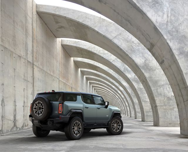 the gmc hummer ev suv completes the hummer ev family and features a 1267 inch wheelbase for tight proportions and a maneuverable body, providing remarkable on  and off road capability