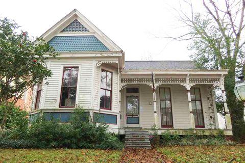 Incredible Mississippi Fixer Upper On The Market For 85K Natchez Ms Complete Home Design Collection Papxelindsey Bellcom