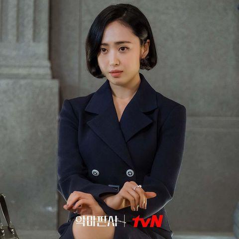 韓劇《惡魔法官》池晟搭擋女星金玟廷凍齡娃娃臉保養秘訣公開