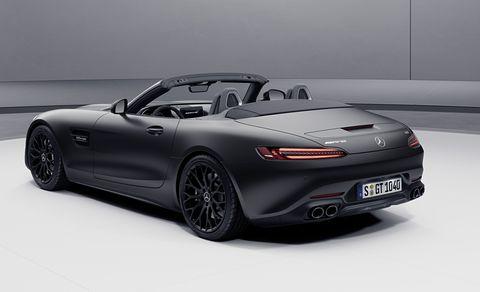 mercedes amg gt roadster, 2020, exterieur, night edition, designo graphitgrau magnokraftstoffverbrauch kombiniert 12,9 l100 km, co2 emissionen kombiniert 296 gkmmercedes amg gt roadster, 2020, exterieur, night édition, designo graphitgrau magnocombined fuel consumption 129 l100 km, combined co2 emissions 296 gkm