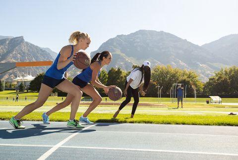 whittni orton and anna camp bennett run basketball mile world record attempt
