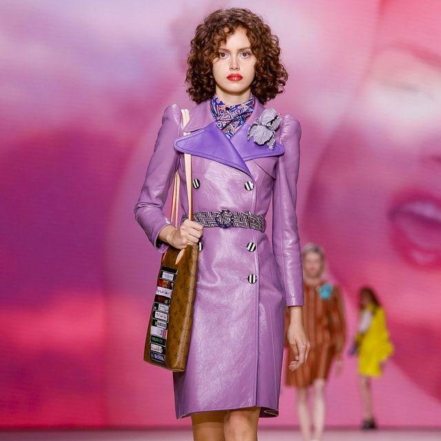 Fashion model, Fashion show, Fashion, Runway, Clothing, Pink, Public event, Fashion design, Event, Shoulder,