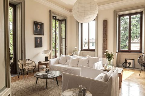 Art Nouveau Details Get A Tender Update In This Italian Home