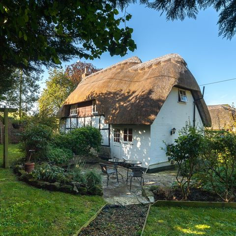 Chocolate box cottage for sale in WIltshire