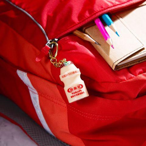 悠遊卡公司推出養樂多造型悠遊卡、海尼根造型悠遊卡