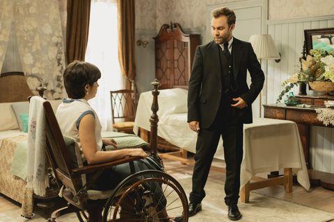 Wheelchair, Sitting, Adaptation, White-collar worker, Suit, Conversation,
