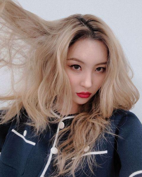 韓國女星 宣美 換上「淺棕奶茶髮色」