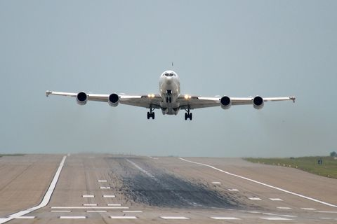 Airplane, Aircraft, Airline, Vehicle, Air travel, Airliner, Aviation, Aerospace engineering, Flight, Takeoff,
