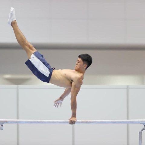 唐嘉鴻在東京奧運體操場刷新台灣紀錄!從過動兒到「亞洲貓王」,唐嘉鴻的10道翻滾軌跡