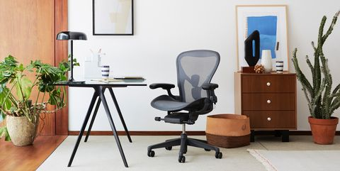 Office chair, Furniture, Chair, Desk, Room, Computer desk, Table, Interior design, Office, Building,