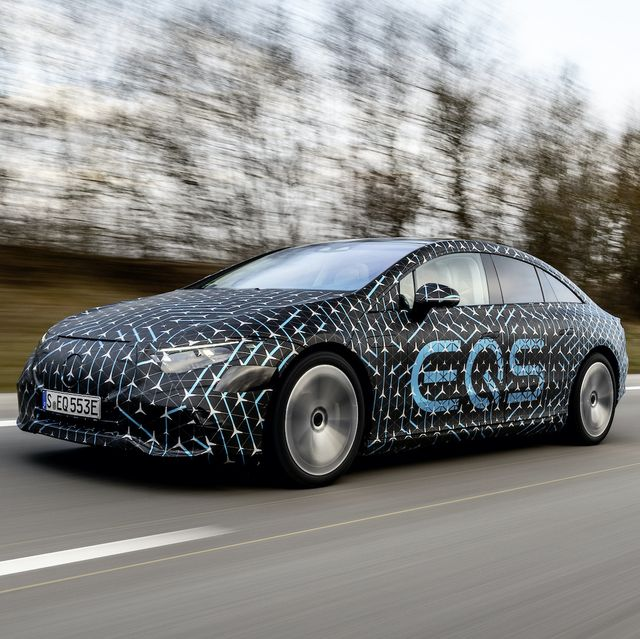 mercedes benz eqs electric vehicle sedan luxury 2022