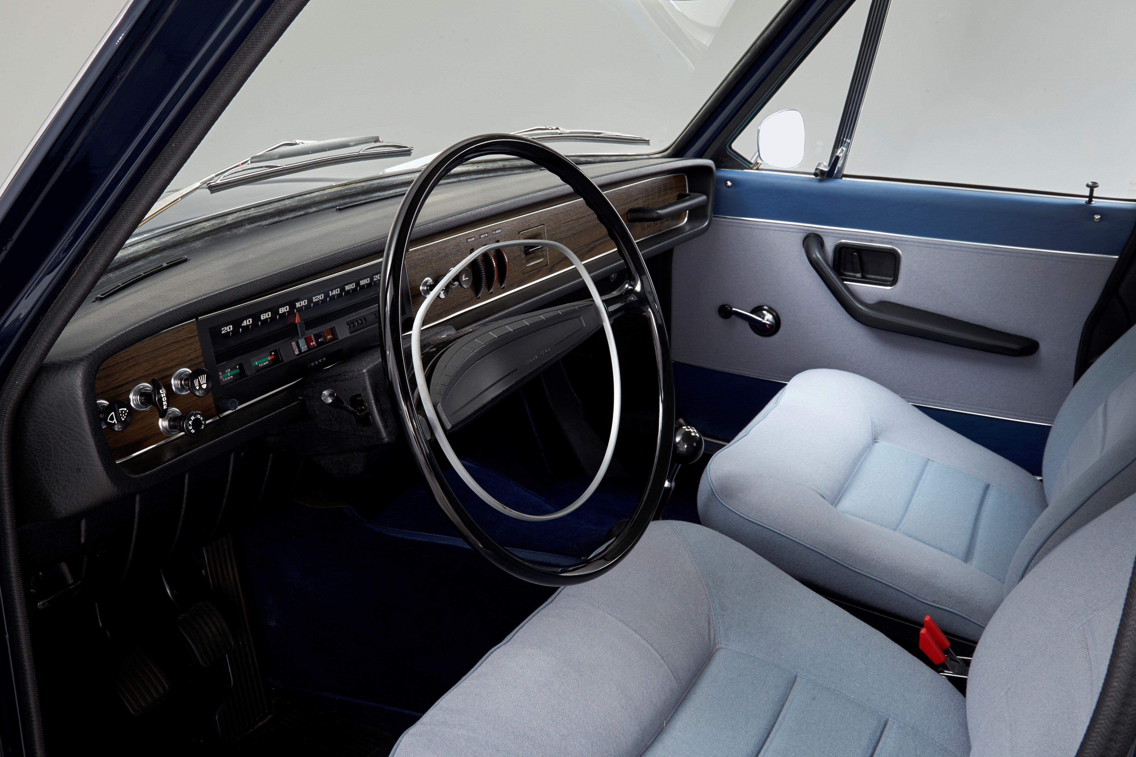 volvo\u0027s first luxury sedan just turned 50 Volvo 940 Engine