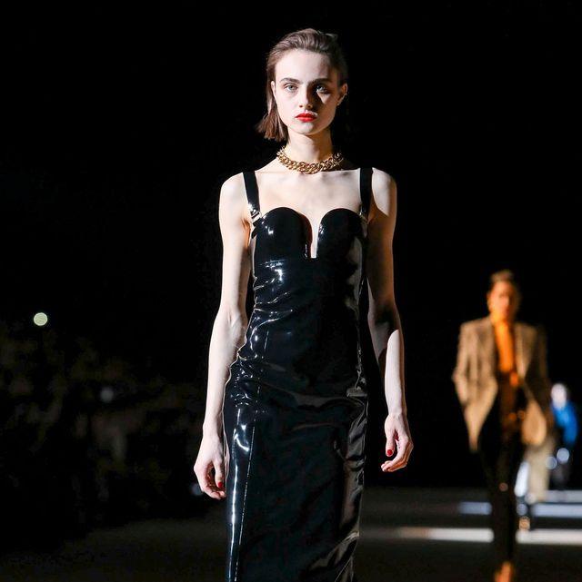 Fashion model, Fashion show, Runway, Fashion, Clothing, Dress, Fashion design, Public event, Event, Human,