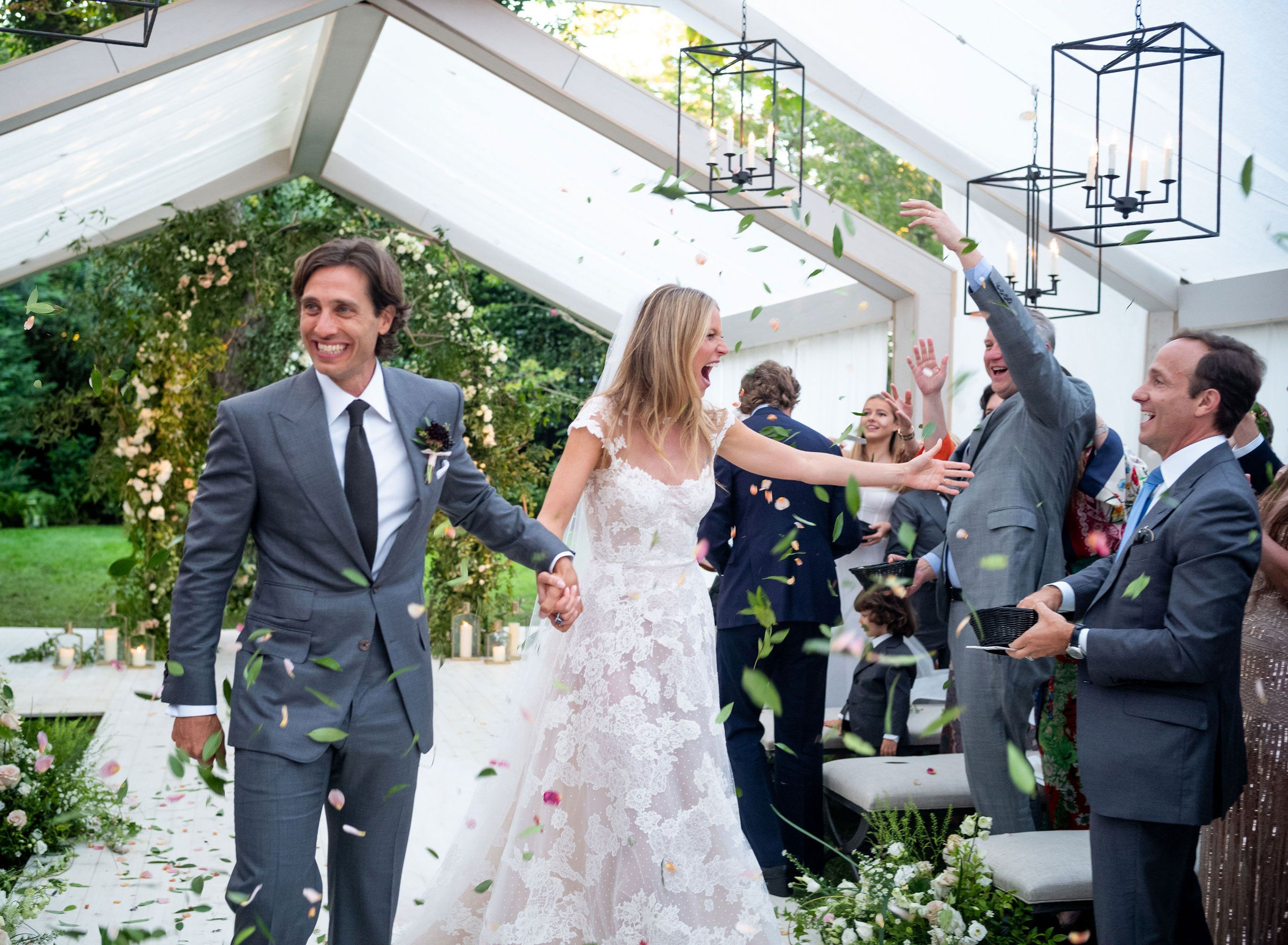 See Photos From Gwyneth Paltrows Surprise Wedding To Brad Falchuk