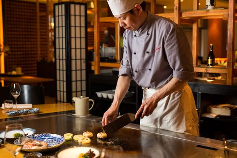 Cook, Chef, Food, Dish, Cuisine, Teppanyaki, Baker, Cooking, Chief cook, Japanese cuisine,