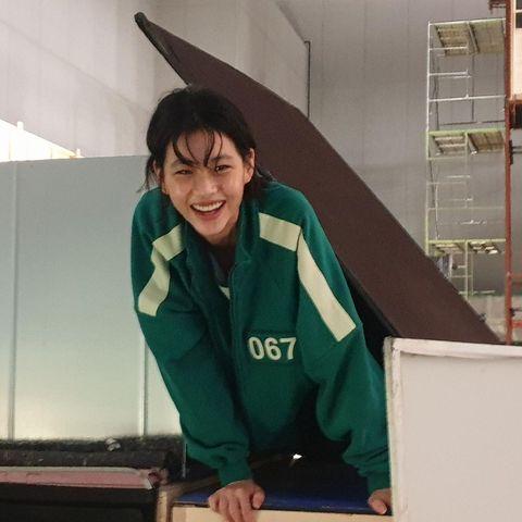 《魷魚遊戲》鄭浩妍擔當女主角姜曉纖細身材腰圍只有20吋,私下保養與運動菜單公開