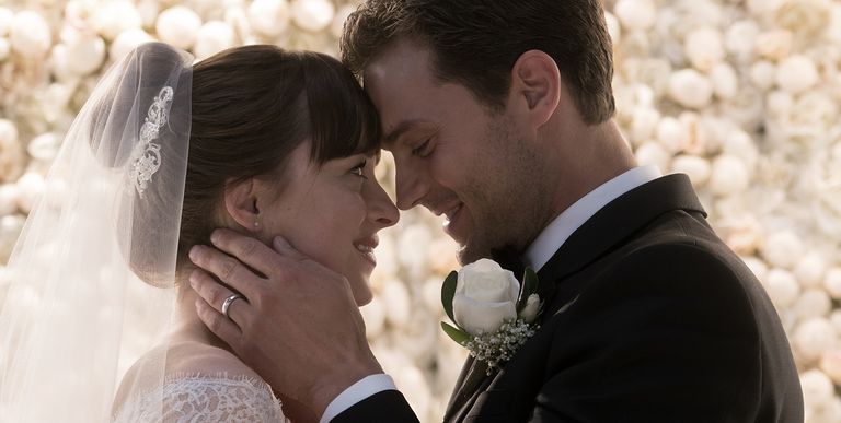 Plus A Full Look At Ana S Wedding Dress
