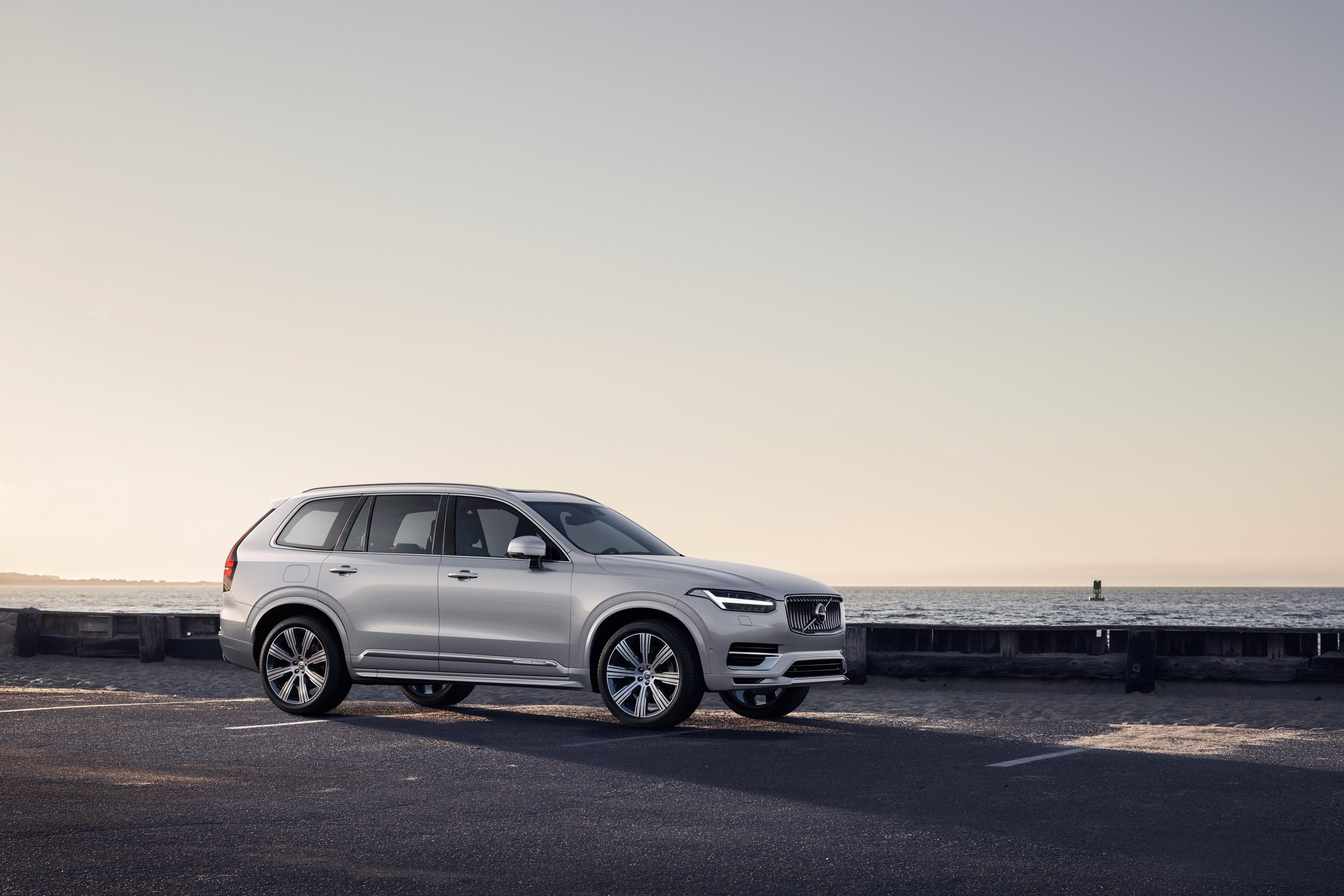 2020 Volvo Xc90 Minor Styling Changes And New Hybrids