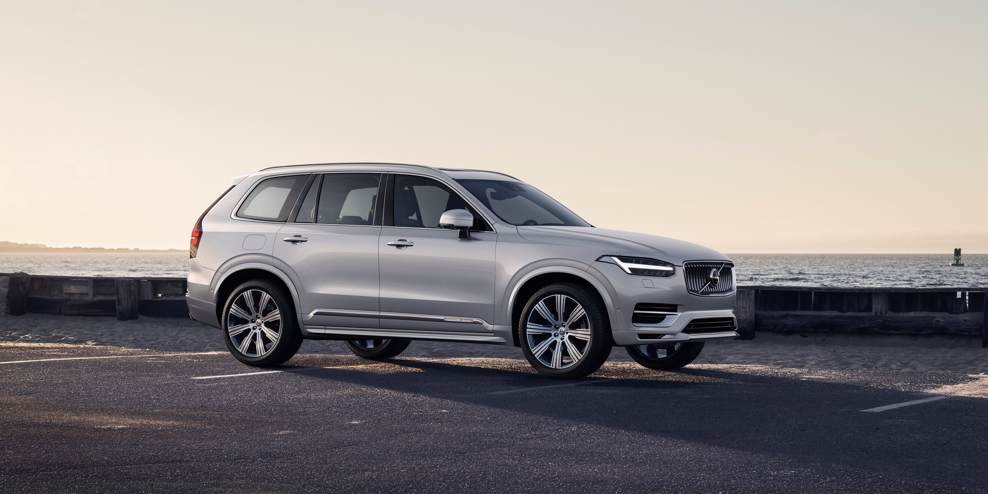 The 2020 Volvo XC90 Gets Hybrid Systems and the World's Most Mild Facelift