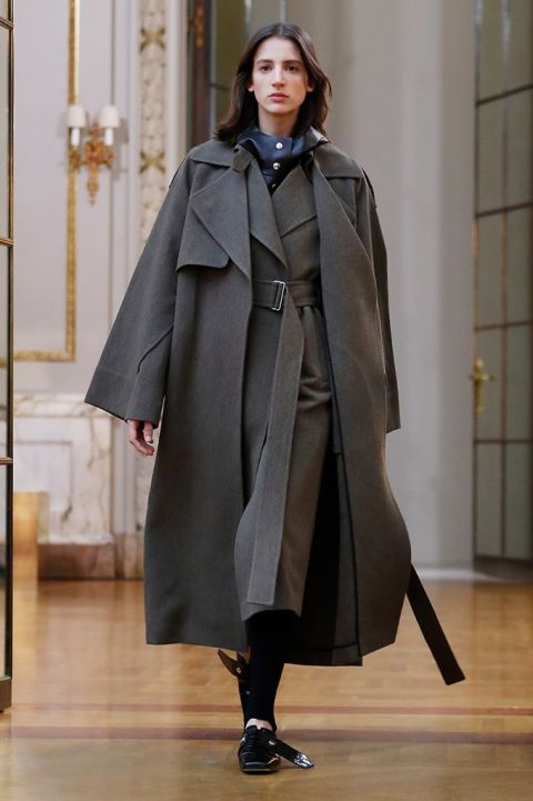 Clothing, Outerwear, Fashion, Overcoat, Coat, Fashion show, Mantle, Fashion model, Cape, Duster,
