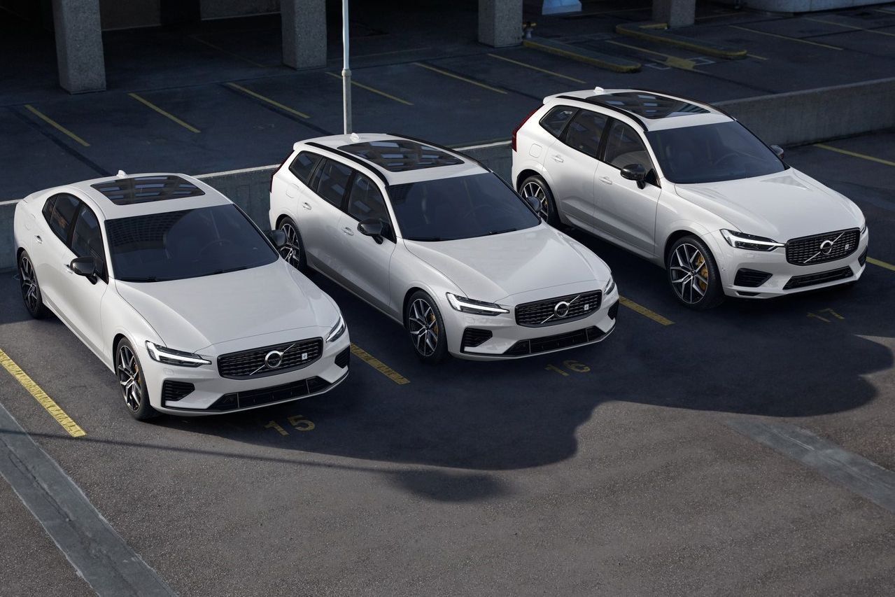flipboard the volvo v60 and xc60 are getting 415 hp polestar engineered plug in hybrid versions. Black Bedroom Furniture Sets. Home Design Ideas