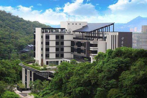 Architecture, Building, Property, Residential area, Condominium, Metropolitan area, Human settlement, Mixed-use, Urban design, Real estate,
