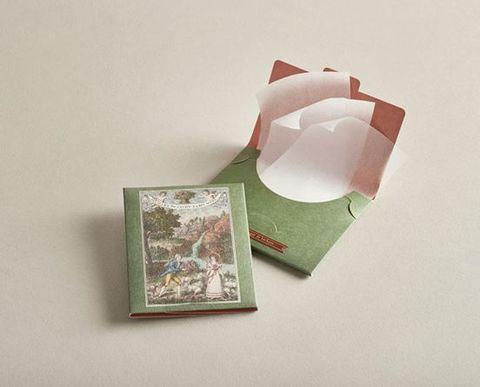 officine universelle buly 1803另還有隱藏版好物,本篇bazaar將介紹該品牌所推出的「紙肥皂」(soap sheet)!