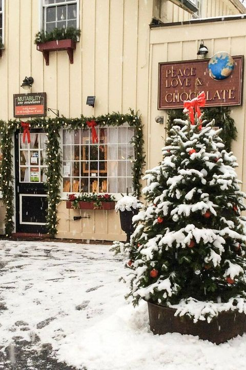 2021 Washington Christmas Bazaar 15 Best Christmas Towns In 2020 Christmas Towns In The United States