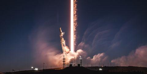 Rocket, Sky, space shuttle, Atmosphere, Spacecraft, Space, Vehicle, Spaceplane, Night, Cloud,