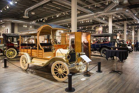 Motor vehicle, Vehicle, Classic, Transport, Car, Vintage car, Mode of transport, Automotive design, Antique car, Museum,