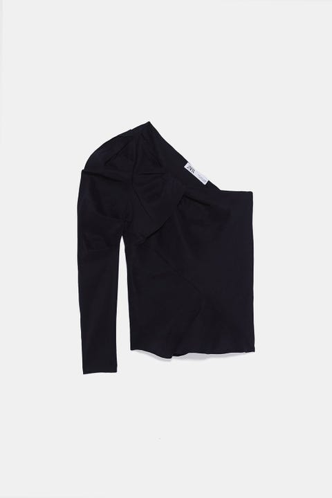 Clothing, Black, Sleeve, Outerwear, Collar, Suit, Jacket, Blazer, Formal wear, T-shirt,