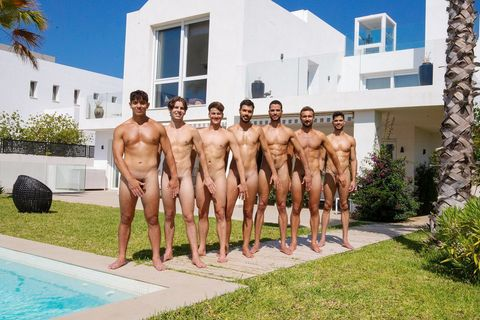 屏幕舔溼了!英國華威大學划船隊「2021全裸月曆」狂露馬達臀
