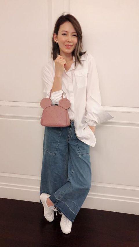Clothing, White, Pink, Shoulder, Blazer, Jeans, Outerwear, Snapshot, Leg, Footwear,