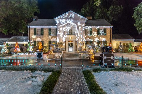 Christmas At Graceland Hallmark.Hallmark S Christmas At Graceland Was Filmed At Elvis S