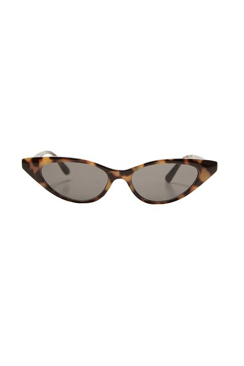Eyewear, Sunglasses, Glasses, Personal protective equipment, Brown, aviator sunglass, Vision care, Goggles, Costume accessory, Eye glass accessory,