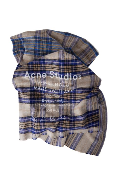 7f93593652a0 12 Best Fall Scarves for Women 2018 - Cute Cozy Scarves for Autumn