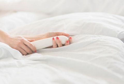 Skin, Bed sheet, Arm, Bedding, Hand, Comfort, Textile, Sleep, Leg, Furniture,