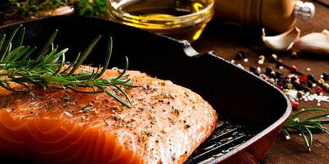 farm raised salmon healthy