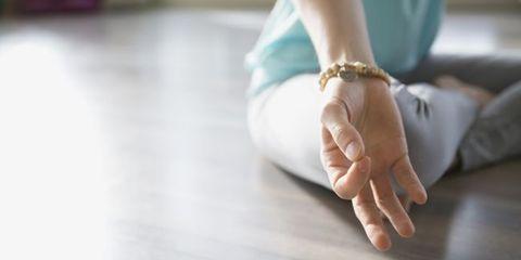Ujjayi yoga breathing technique boosts mood