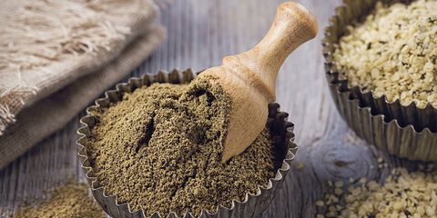 Hemp Protein Powder: Nutrition Info, The Best Ones To Buy, & How To Use It