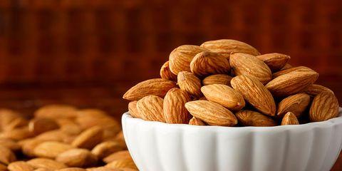 superfood: almonds