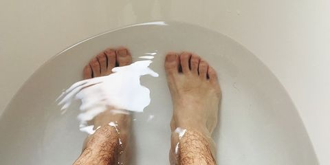 Leg, Foot, Toe, Joint, Human leg, Hand, Human body, Flesh, Knee, Nail,