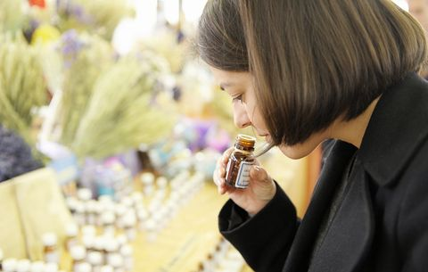 These 4 Essential Oils Can Help You Reach Your Weight Loss Goal