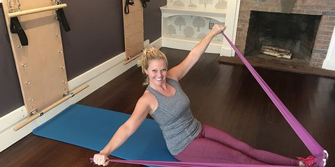 resistance band ab sculpting workout