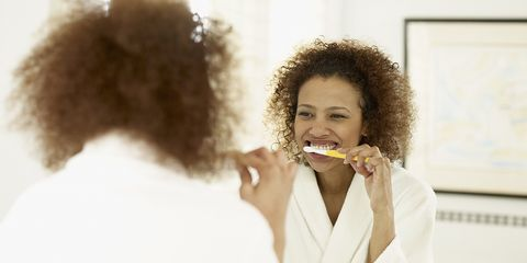 how to clean your breath with no toothbrush