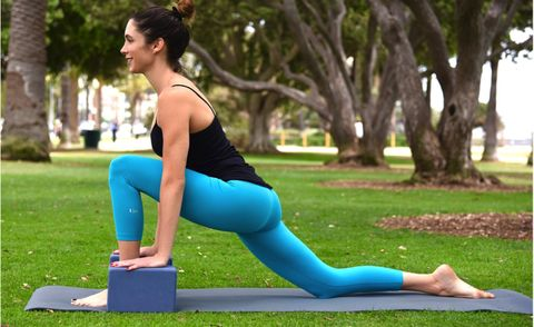 best pelvic floor exercises: runner's lunge