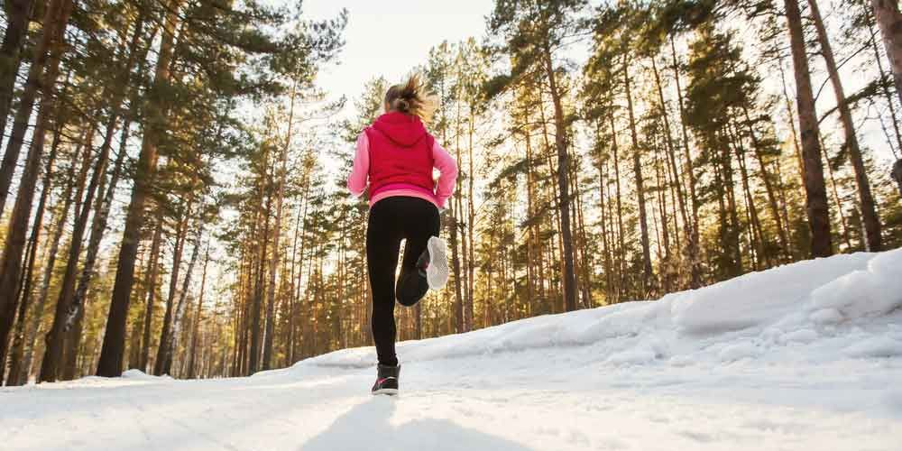 6 Accessories That Make Outdoor Winter Workouts So Much Easier
