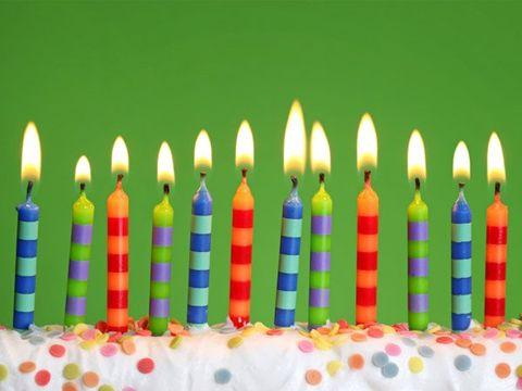 Birthday candle, Lighting, Yellow, Event, Ingredient, Food, Dessert, Sweetness, Cake, Pink,