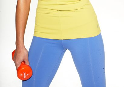 Blue, Human leg, Shoulder, Joint, Standing, Sportswear, Active pants, Waist, Electric blue, Knee,